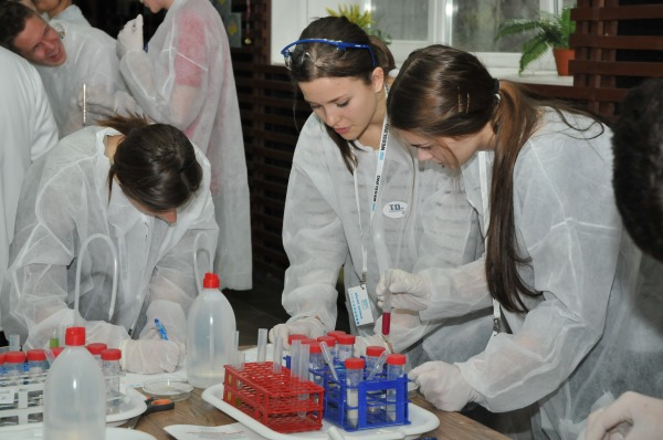 Laborkaland - kísérletezés